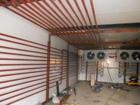 冷库制冷系统中残留空气和水分的排除