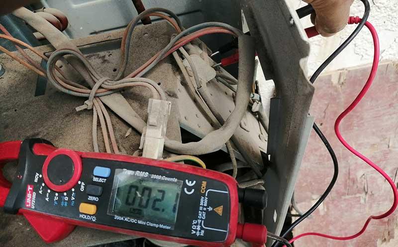 测量端子间电阻